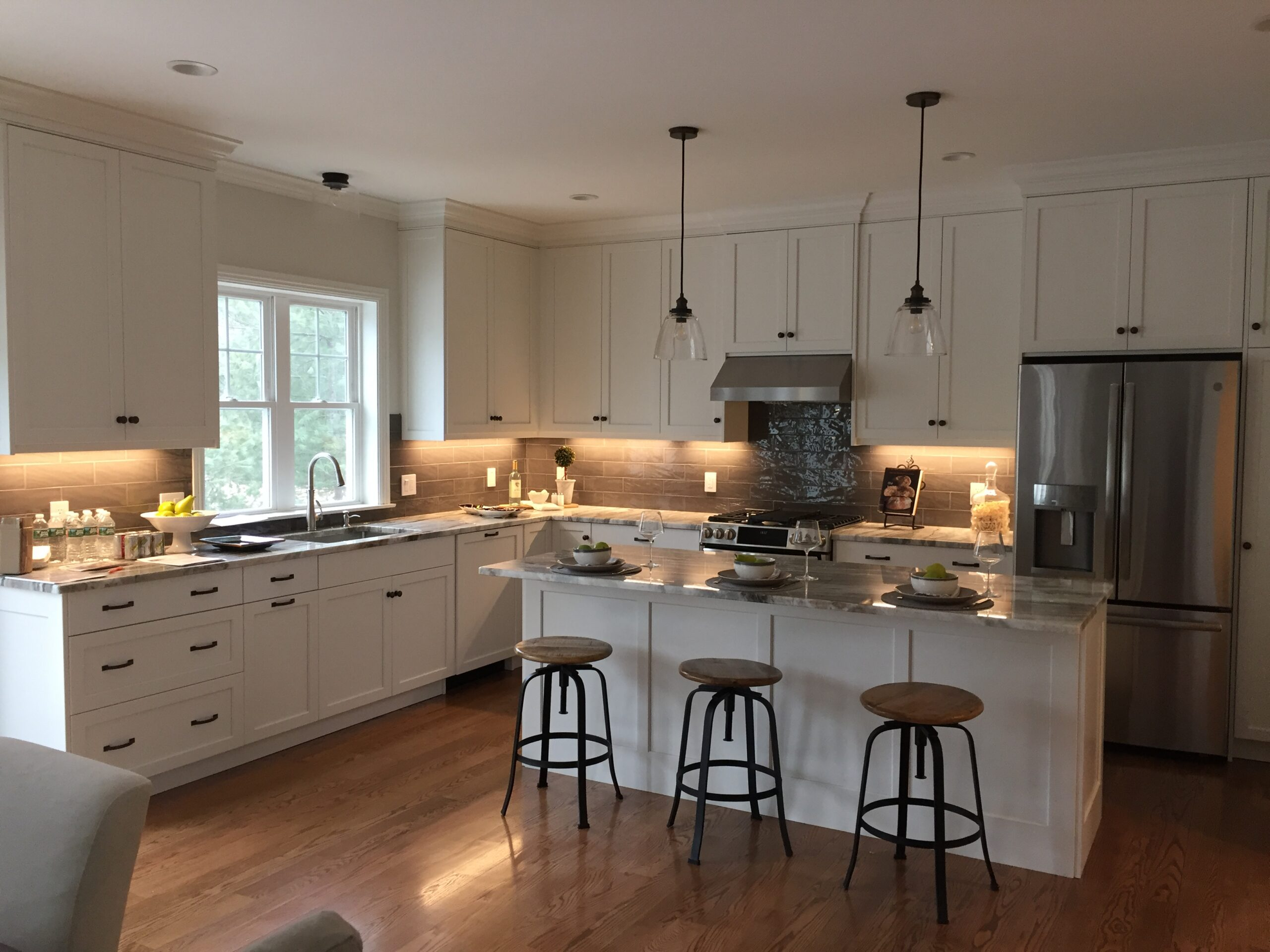 Pears & Wine Kitchen